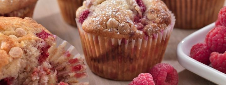 White chocolate and raspberry ripple muffins