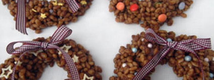 Chocolate rice krispie wreaths
