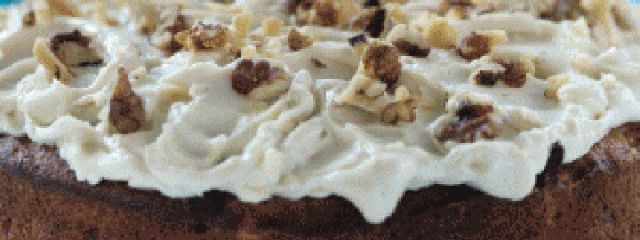 Passion cake with nutty cream cheese