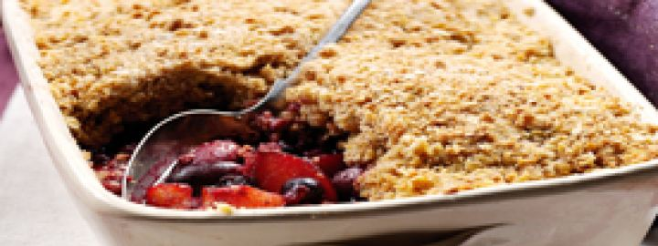 Plum and forest fruits crumble
