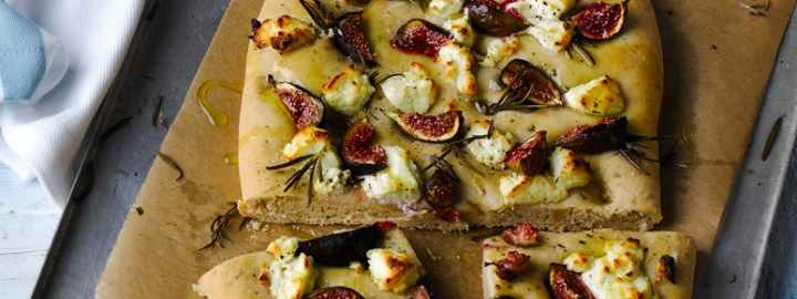 Rosemary, fig and cheese bread