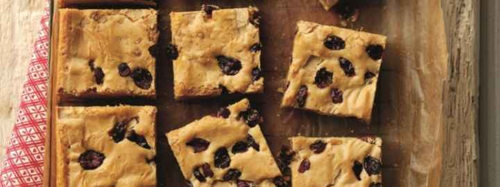 Vanilla, white chocolate and cranberry brownies