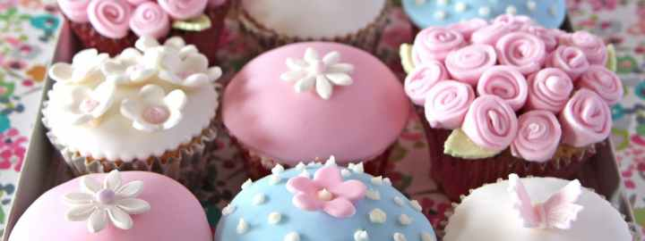 Mother's day iced cupcakes