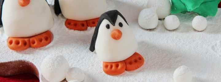 Penguin family christmas cake decorations