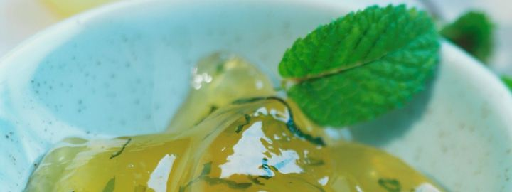 Quick apple and mint jelly