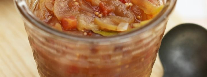 Quick cook apple chutney