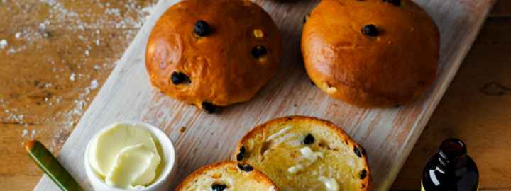Yorkshire blueberry and lemon teacakes